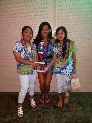 Palisades Elementary Aloha Hula compete in Brown Bags To ...