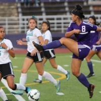 Pearl City blanks Kapolei 5-0 to advance to state quarterfinal round (1.28.19)