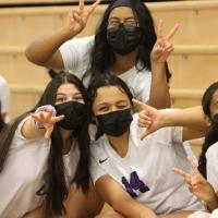 PEARL CITY LADY CHARGERS IN DA HOUSE! (10.13.2021) Photo by Barry Villamil | bar