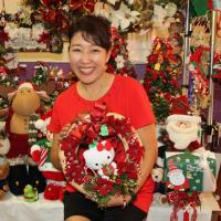 Pearl City community converges at PCHS Holiday Craft Fair (11/23/2014)