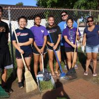 Volunteers spruce up Momilani Community Center grounds in Pearl City (8/13/2016)