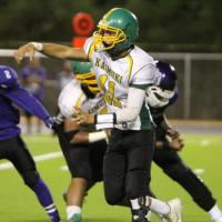 Kaimuki drops Pearl City from the ranks of the unbeaten 20-17 (10/7/2016)