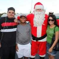 Pearl City Christmas Parade rolls into the Pearl City Shopping Center