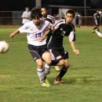 Pearl City and Campbell play to 1-1 tie in OIA Boys Soccer (12/28/10)