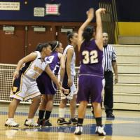 Pearl City plays tough on the road in 55-43 win over Waipahu (12/30/10)