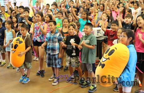 """""""Kidney Day"""" educates Manana Elementary School students about kidney disease (2/"""