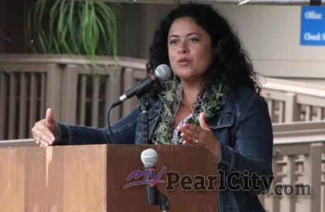 Maya Soetoro-Ng speaks at Pearl City Peace Garden dedication (9/23/2012)