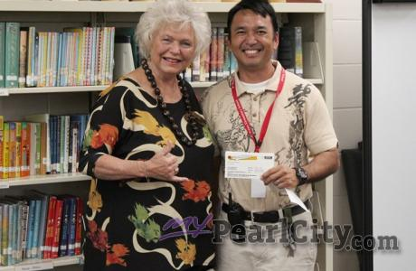 PCHES, Waiau Elementary receive $1000 Pearl City Shopping Center Gift Certificat