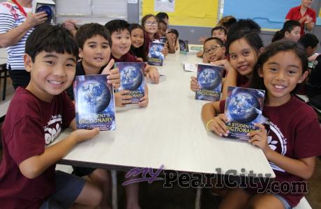 PCHES third graders receive free dictionaries from the Rotary Club of Pearlridg