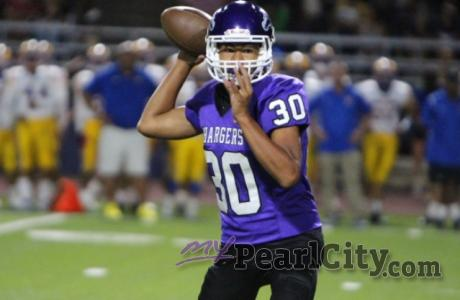 Chargers over Cougars 15-12 in OIA D2 Varsity Football | Pearl City QB Christian