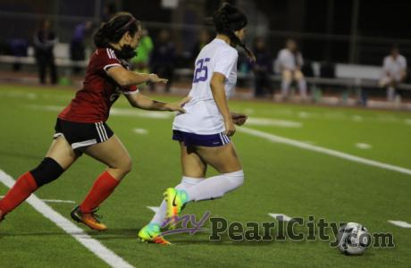 Lady Chargers sprint their way into the OIA semifinals with 7-1 win over Kahuku