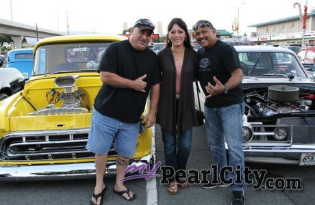 BLEIZN FX Cruz Night - Classic Cars and Hot Rods tonight at the Pearl City Shopp