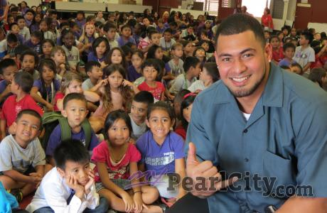 Joey Iosefa, special guest speaker at Pearl City Elementary Annual Career Day. P