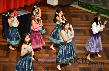 Ka Pilina o ka Hula me ka Ho'okanikapila brings in New Year on Ala Moana Centers