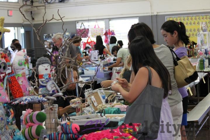 Pearl City Highlands Elementary School Craft Fair
