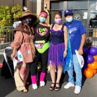 Pearl City Community Association passes out Halloween treats at Pearlridge Cente