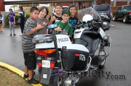 HPD SWAT, Specialized Canine Unit, and Patrol Officers visit Momilani Elementary